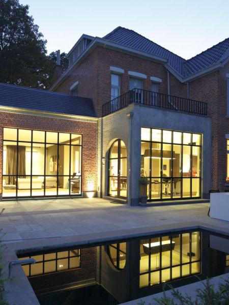 forster unico slanke thermisch onderbroken ramen en deuren in staal. Black Bedroom Furniture Sets. Home Design Ideas